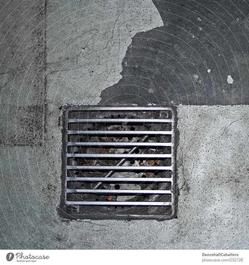 Abfluss grau Metall dreckig Beton kaputt Boden Bodenbelag Symbole & Metaphern verfallen trocken Stahl Quadrat Straßenbelag Gitter Symmetrie Ekel