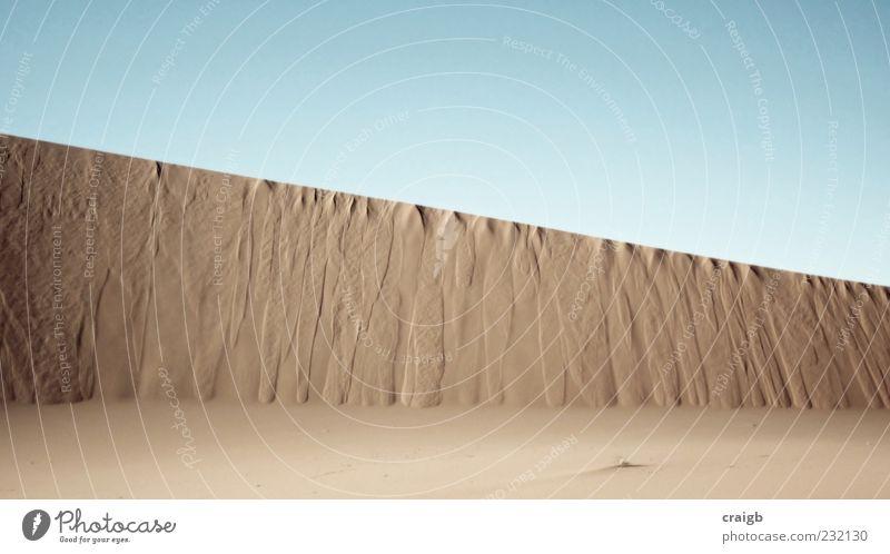 EssUnderline Sommer Natur Landschaft Sand Himmel Wolkenloser Himmel Schönes Wetter Wüste eckig einfach Sahara Felswand Farbfoto Gedeckte Farben Außenaufnahme