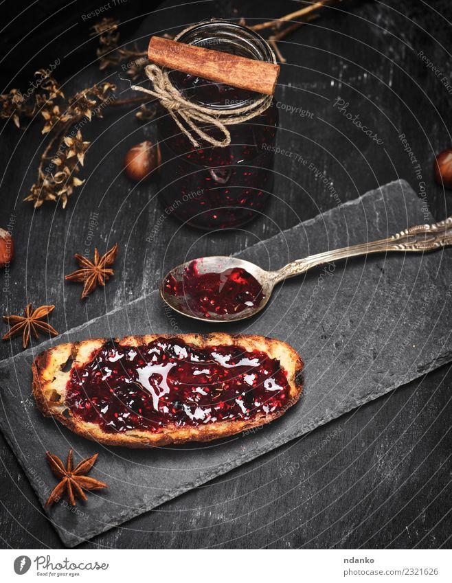 Weißbrot mit Himbeermarmelade Frucht Brot Dessert Süßwaren Marmelade Ernährung Frühstück Mittagessen Löffel Tisch Natur Holz Essen frisch lecker schwarz