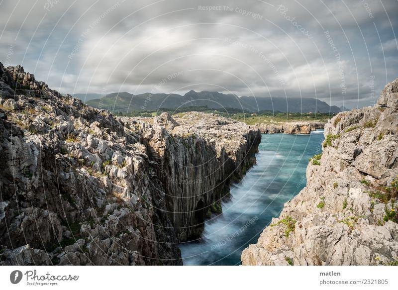 asturische Küste Himmel Natur blau Sommer grün Landschaft weiß Meer Wolken Berge u. Gebirge grau braun Felsen Horizont Wellen