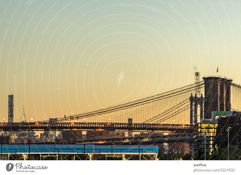 Brückentag: Brooklyn und Manhattan Stadt New York City brooklyn heights Manhattan Bridge Brooklyn Bridge Sonnenaufgang Außenaufnahme Morgendämmerung