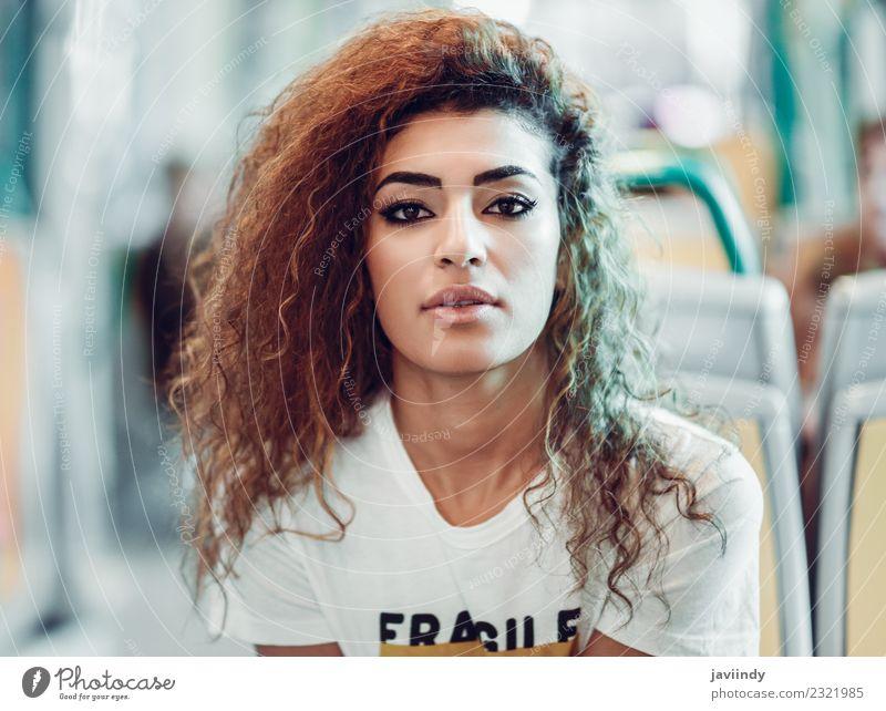 Frau Mensch Ferien & Urlaub & Reisen Jugendliche Junge Frau schön 18-30 Jahre Erwachsene Lifestyle feminin Tourismus Haare & Frisuren Mode Ausflug Verkehr