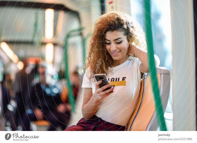 Frau Mensch Ferien & Urlaub & Reisen Jugendliche Junge Frau schön 18-30 Jahre Erwachsene Lifestyle feminin Tourismus Haare & Frisuren Ausflug Verkehr Lächeln