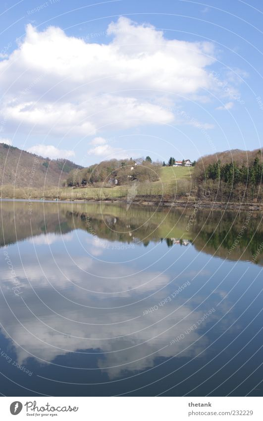 übergang Wasser Wolken Haus ruhig Wald Erholung Frühling See Schönes Wetter Wasserspiegelung Ederstausee