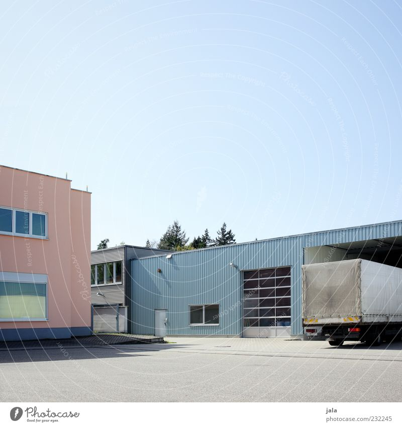industriegebiet Sonne Haus Straße Architektur Gebäude Fassade Platz Industrie Güterverkehr & Logistik Bauwerk Fabrik Schönes Wetter Lastwagen Unternehmen Handel