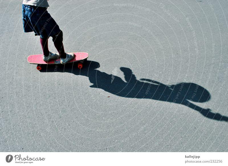 brettspiel Lifestyle Stil Freude Freizeit & Hobby Mädchen 1 Mensch Bewegung fahren Skateboard Gleichgewicht rollen Straße Schutzbekleidung üben Sport-Training