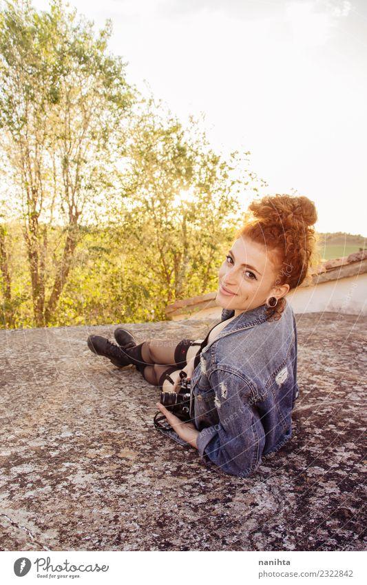 Mensch Natur Ferien & Urlaub & Reisen Jugendliche Junge Frau Sommer schön Sonne Freude 18-30 Jahre Erwachsene Lifestyle Umwelt Gesundheit feminin Stil