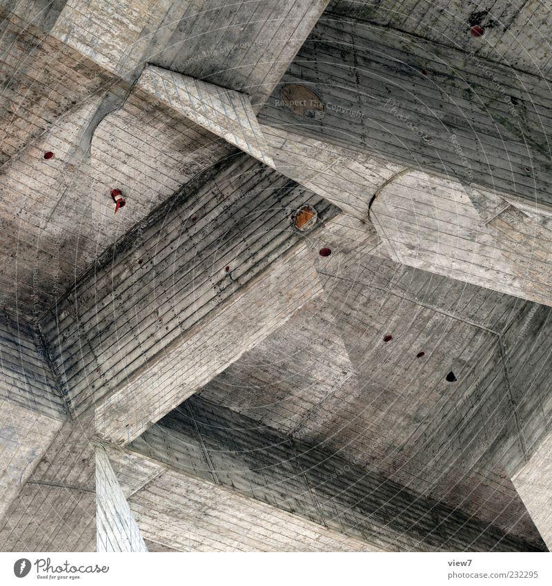 beton. alt Wand oben Architektur grau Stein Mauer Gebäude Linie Fassade dreckig Beton Ordnung Design ästhetisch authentisch