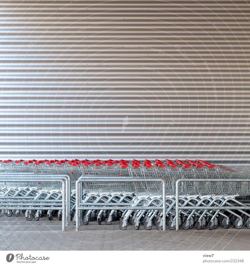 kauf dir was schönes! rot grau Gebäude Metall Linie Fassade Beginn modern authentisch gut Streifen viele einfach Bauwerk Zeichen Ladengeschäft