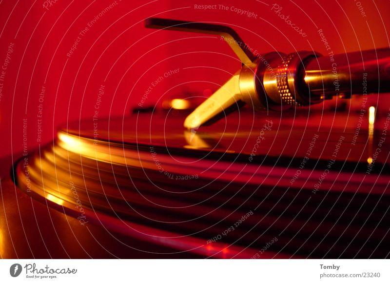 Plattendreher1210er Feste & Feiern Technik & Technologie Club Disco Ampel Diskjockey Schallplatte Tonabnehmer Plattenteller Elektrisches Gerät Plattenspieler Concorde Laser Laser-Abtastsystem