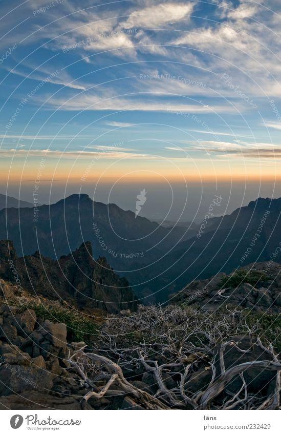 Kraterrand Umwelt Natur Landschaft Urelemente Erde Himmel Wolken Sonnenaufgang Sonnenuntergang Sonnenlicht Schönes Wetter Gipfel Vulkan außergewöhnlich