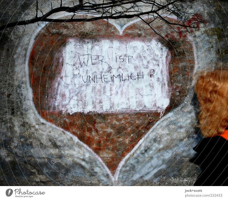 wer ist unheimlich? Mensch Frau rot Winter dunkel kalt Erwachsene Wand Graffiti Mauer Denken Haare & Frisuren außergewöhnlich Stein Linie