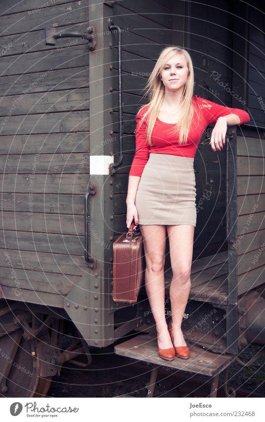 abfahrt... Frau Jugendliche schön Ferien & Urlaub & Reisen Leben Freiheit Stil Erwachsene blond elegant Ausflug Mode Beginn Tourismus Fröhlichkeit