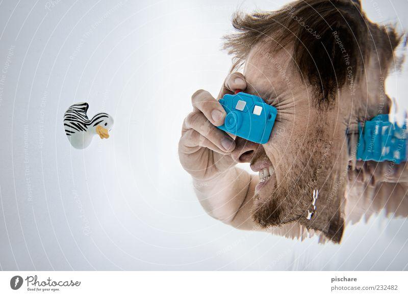 Tiefsee-Knipse Mann Wasser blau Freude Spielen Kopf Erwachsene lustig Fröhlichkeit maskulin Beruf Bad Kunststoff Fotokamera tauchen Badewanne
