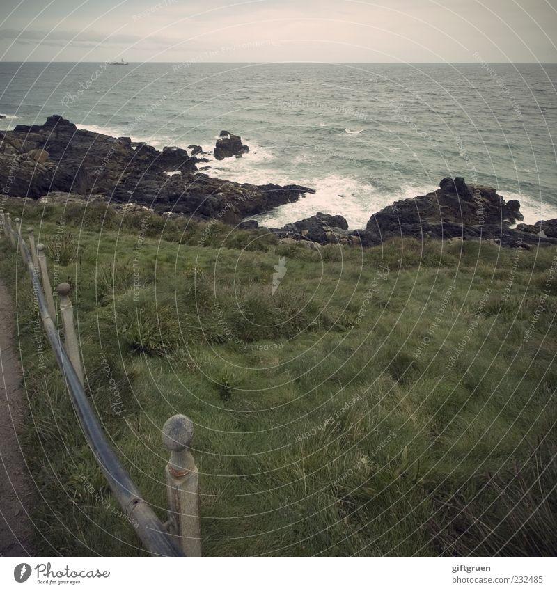 stormy sea Umwelt Natur Landschaft Urelemente Wasser Himmel Horizont Wetter schlechtes Wetter Wind Gras Wiese Felsen Wellen Küste Meer Insel Sturm Zaun