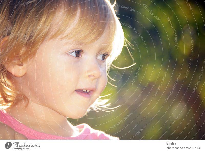Prinzessin Sonnenstrahl Kind Mädchen Kindheit Leben Kopf 1 Mensch 1-3 Jahre Kleinkind gold grün rosa Außenaufnahme Wegsehen niedlich blond Blick Mädchengesicht