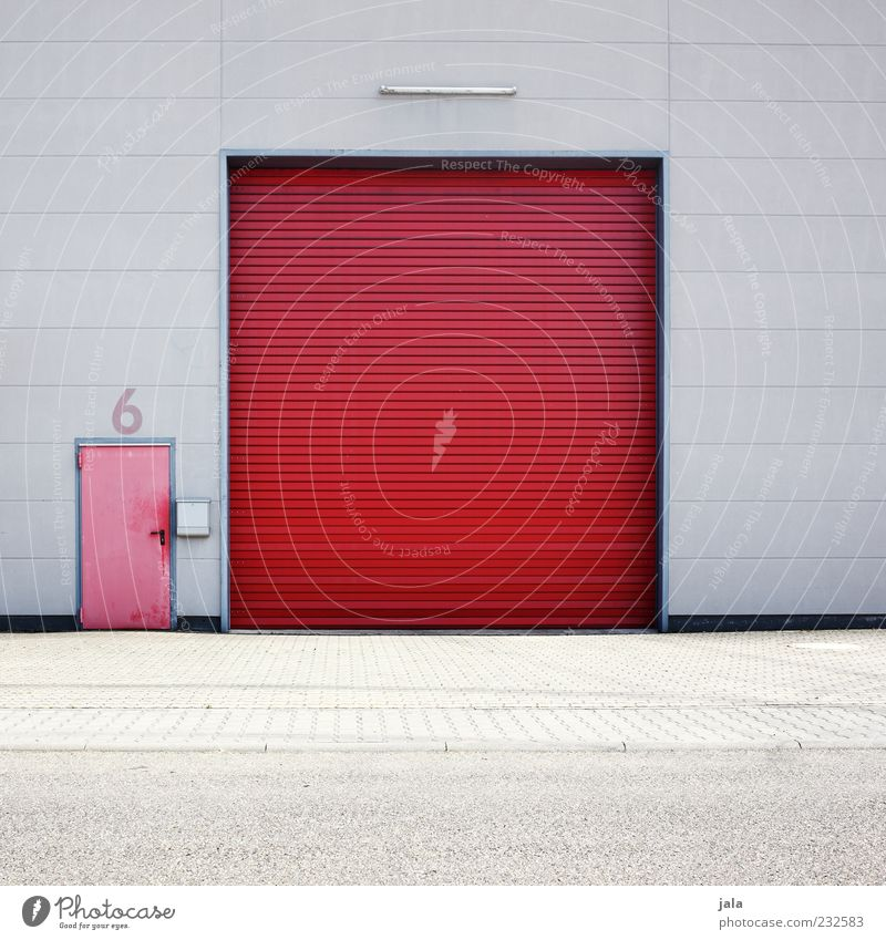 6 rot Wand Architektur grau Mauer Gebäude Tür Fassade geschlossen Ziffern & Zahlen Bauwerk Fabrik Tor Eingang Lagerhalle