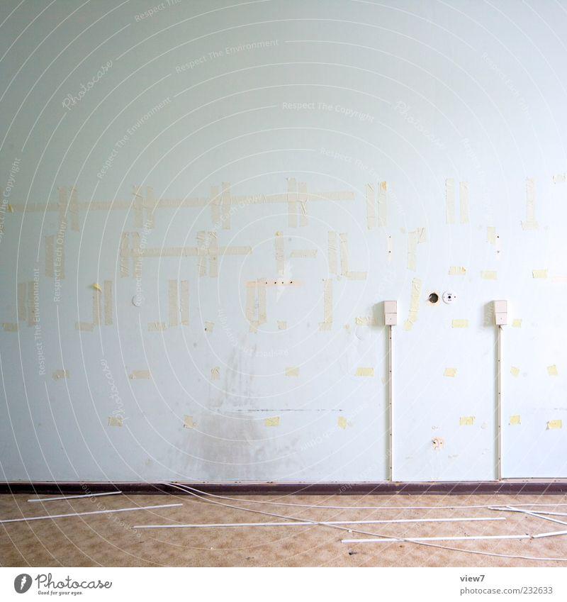 Wand bearbeiten Umzug (Wohnungswechsel) einrichten Haus Mauer Fassade Stein Linie Streifen alt dreckig einfach kaputt modern retro Klischee Traurigkeit