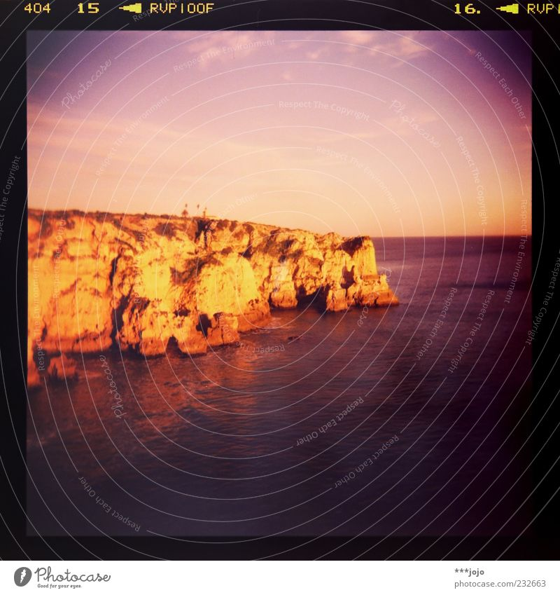 symphony in velvia major. Natur Ferien & Urlaub & Reisen Sommer Meer Landschaft Küste Stein Horizont Felsen Tourismus violett Leuchtturm Fernweh Klippe Portugal