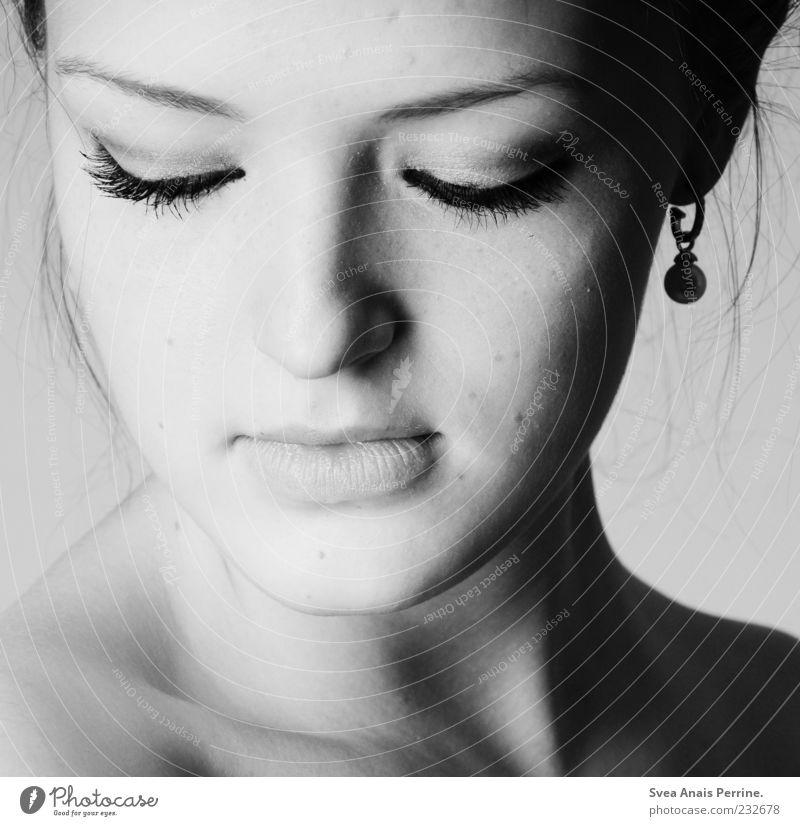 das mädschen mit dem perlenohrring. Mensch Frau Jugendliche schön Erwachsene Gesicht Auge dunkel feminin Stil elegant Haut natürlich außergewöhnlich