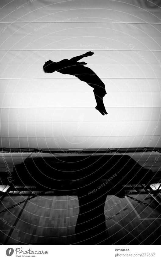 55Jahre Mensch Mann weiß schwarz Erwachsene Bewegung springen Freizeit & Hobby fliegen hoch maskulin Fitness Leidenschaft Mut sportlich drehen