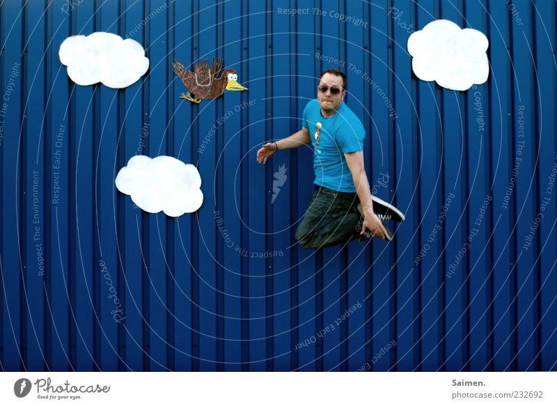 Saimen. mac fly blau Freude Wolken Wand Freiheit Bewegung Glück springen Mauer Stimmung Vogel Zufriedenheit Fassade fliegen hoch Fröhlichkeit