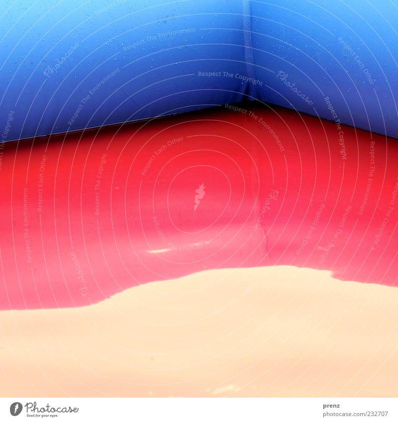 pool blau Wasser rot Ecke Kunststoff Becken Strukturen & Formen Wasserspiegelung Planschbecken