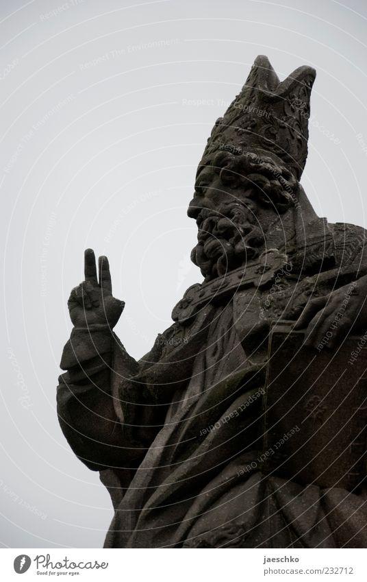 Peacebruder Religion & Glaube grau Kunst Symbole & Metaphern Frieden Statue Sehenswürdigkeit Weihnachtsmann Skulptur heilig Kunstwerk gestikulieren Bibel Geistlicher Prag Patron