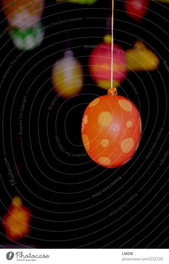 Oster-Bunt selbstgemacht schwarz gelb orange Dekoration & Verzierung Ostern Punkt Fleck Tradition bemalt gepunktet mehrfarbig Osterei