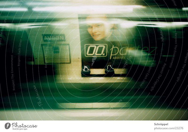 Metro Paris Untergrund Geschwindigkeit vergangen U-Bahn Station Verkehr