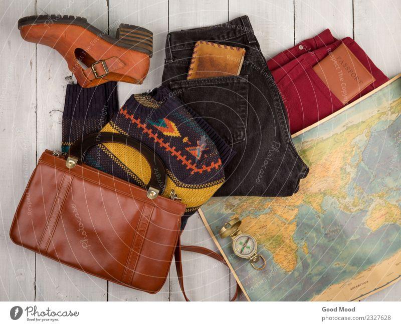Tasche, Schuh, Jeans, Pullover, Karte, Pass, Kompass, Kompass Lifestyle Freizeit & Hobby Ferien & Urlaub & Reisen Tourismus Ausflug Expedition Tisch Erde Straße