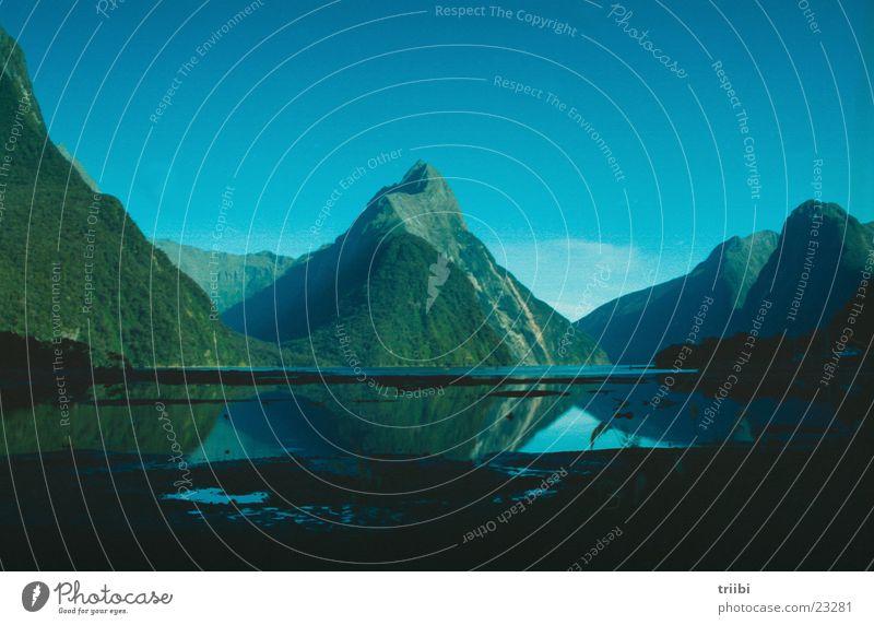 mitre peak Reflexion & Spiegelung Berge u. Gebirge Wasser