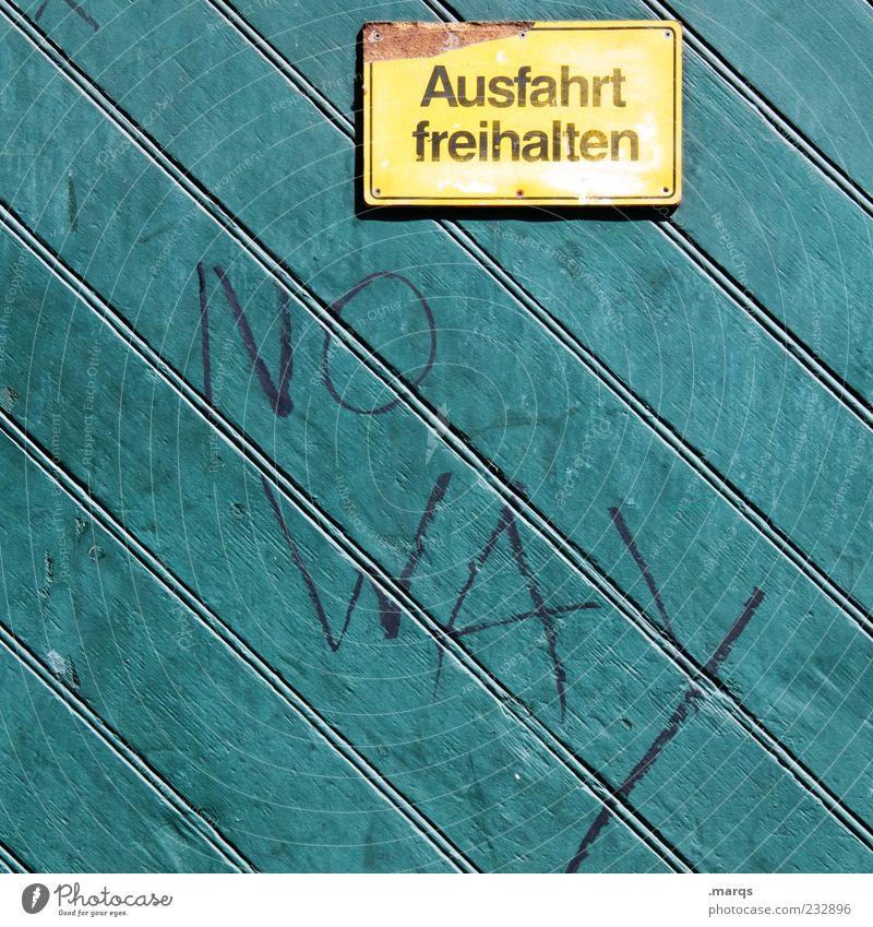 Einspruch Mauer Wand Verkehr Verkehrszeichen Verkehrsschild Ausfahrt Holz Metall Schriftzeichen Hinweisschild Warnschild Linie rebellisch gelb grün skurril