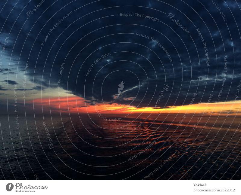 Das Meer brennt Natur Wasser Himmel Wolken Horizont Sonnenaufgang Sonnenuntergang Sommer Wetter Wellen Nordsee Menschenleer Bootsfahrt Fähre Ferne frei