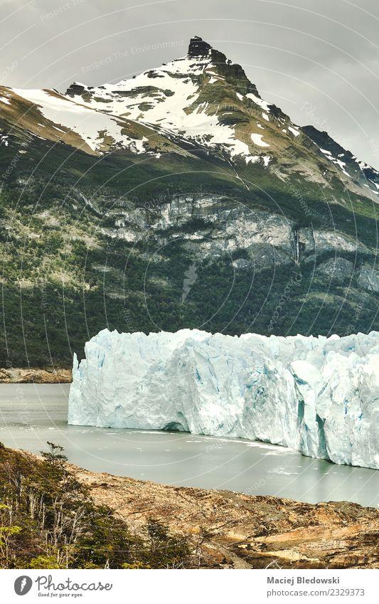 Perito Moreno Gletscherlandschaft, Argentinien. Ferien & Urlaub & Reisen Tourismus Ausflug Expedition Schnee Berge u. Gebirge wandern Natur Landschaft Himmel