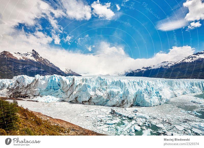 Perito Moreno Gletscher, Argentinien. Ferien & Urlaub & Reisen Tourismus Ausflug Abenteuer Ferne Expedition Schnee Berge u. Gebirge wandern Natur Landschaft