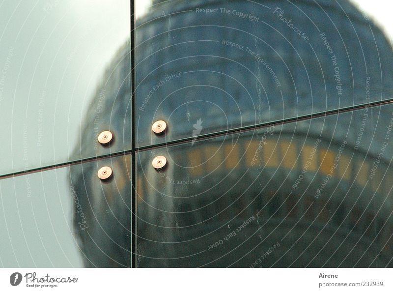 durchkreuzt blau weiß schwarz gelb Berlin Architektur grau Gebäude Metall Linie Glas Autofenster Fassade Hochhaus Turm Bauwerk