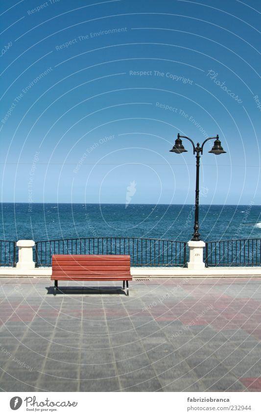 Malta Himmel blau Wasser Ferien & Urlaub & Reisen Sommer Meer Ferne Freiheit grau Küste Luft Horizont Zaun Wolkenloser Himmel Promenade Holzbank