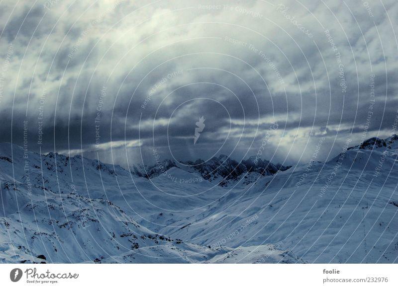 Mountains of Kandersteg Himmel Natur Winter Wolken Umwelt Schnee Landschaft Berge u. Gebirge Wetter Felsen Urelemente Alpen Gipfel Gletscher schlechtes Wetter
