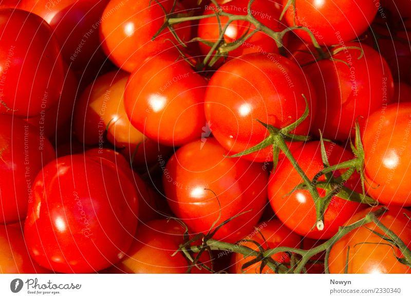 Frische leckere gesunde Tomaten Lebensmittel Gemüse Salat Salatbeilage Frucht rot Ernährung Bioprodukte Vegetarische Ernährung Diät Fasten authentisch einfach