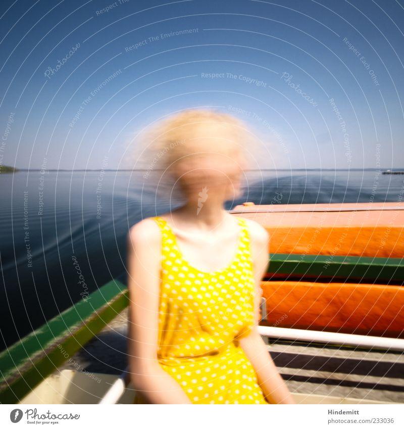 #233036 Ausflug Sonne Wellen Bootsfahrt feminin Junge Frau Jugendliche 1 Mensch See Chiemsee Kleid langhaarig Bewegung Erholung Ferien & Urlaub & Reisen blond