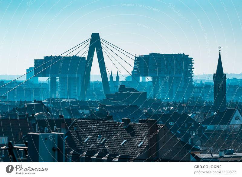 Fernsicht #18022018_0109 Himmel Wolkenloser Himmel Nebel Stadt Stadtzentrum Skyline Haus Hochhaus Gebäude Architektur modern blau Köln Kranhäuser Brücke