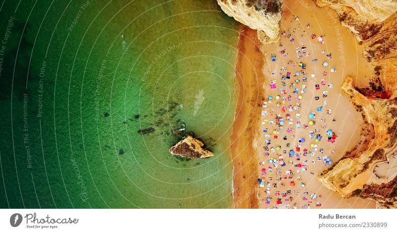 Luftansicht von der fliegenden Drohne des Lagos Beach in Portugal Umwelt Natur Landschaft Sand Wasser Sommer Schönes Wetter Wärme Küste Strand Meer