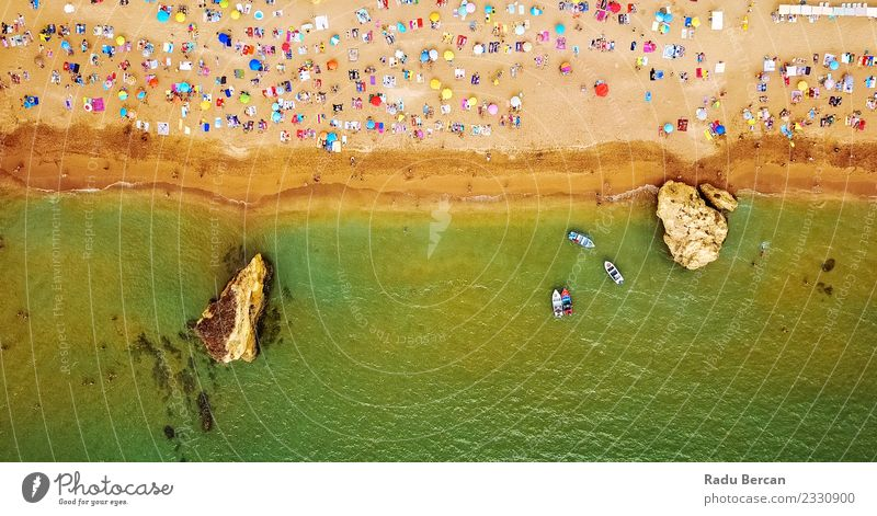 Luftaufnahme von fliegenden Drohnen von Menschen am Lagos Beach Schwimmen & Baden Ferien & Urlaub & Reisen Tourismus Sommer Sommerurlaub Sonnenbad Strand Meer