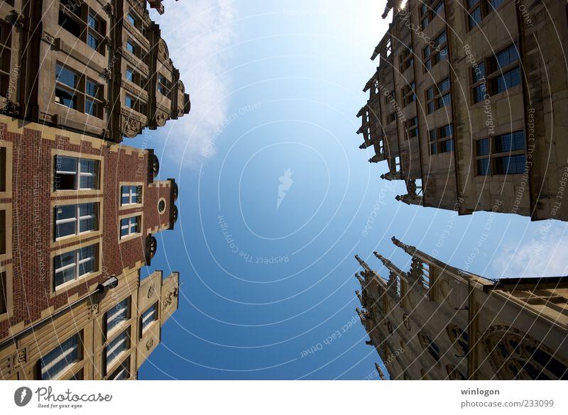 alt blau Stadt Sommer Ferien & Urlaub & Reisen Haus Straße Fenster Freiheit Architektur Gebäude Kunst Deutschland Fassade Ausflug