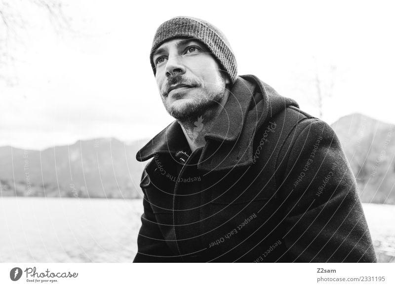 Selfi Lifestyle Stil maskulin Junger Mann Jugendliche 30-45 Jahre Erwachsene Umwelt Natur Landschaft Herbst Schönes Wetter Alpen Berge u. Gebirge Seeufer Mantel