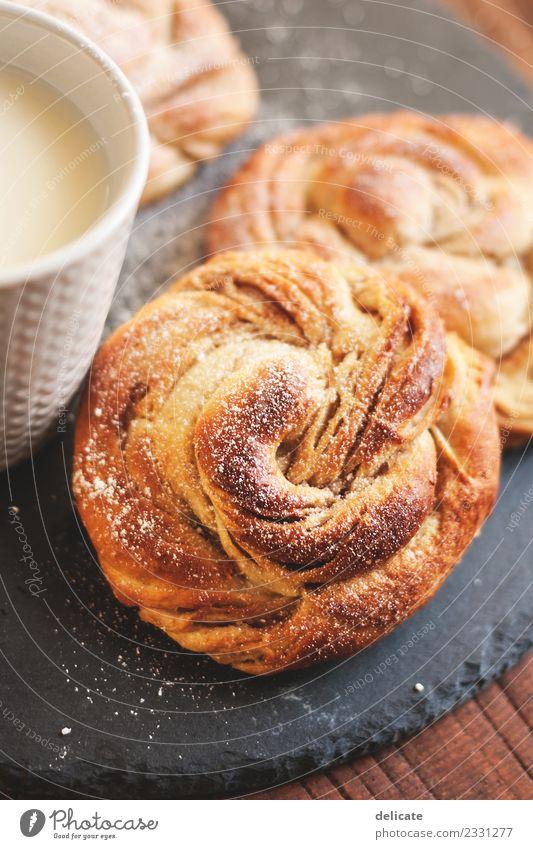Zimtschnecke IV Lebensmittel Getreide Teigwaren Backwaren Croissant Kuchen Süßwaren Ernährung Essen Frühstück Kaffeetrinken Büffet Brunch Bioprodukte