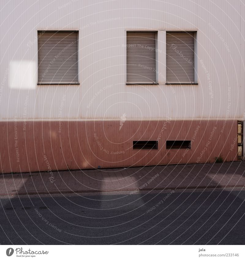straßenseite Haus Straße Fenster Wand Architektur Wege & Pfade Mauer Gebäude Fassade geschlossen trist Bauwerk Bürgersteig Rollladen