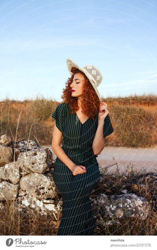 Mensch Natur Ferien & Urlaub & Reisen Jugendliche Junge Frau Sommer schön Erholung ruhig 18-30 Jahre Erwachsene Lifestyle Umwelt natürlich feminin Stil