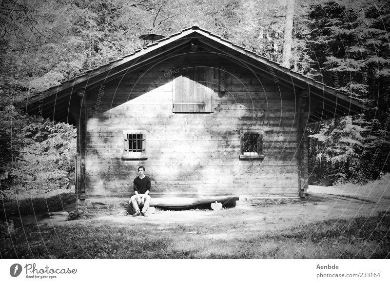 man in the woods Mensch Natur Baum Pflanze ruhig Wald Erholung Landschaft sitzen natürlich maskulin Ausflug außergewöhnlich Pause Hütte Meditation
